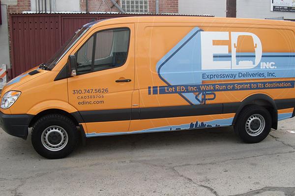 Van-Wraps-Expressway-delivery
