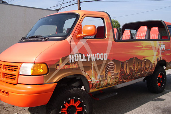 Van-Wraps-Hollwood-Tour
